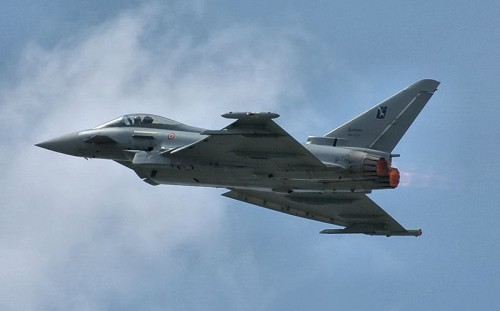 Eurofighter_Typhoon_02