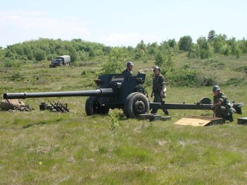800px-Batalionul_612_artilerie_antitanc_18