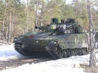 Bofors 40mm pe CV 9040