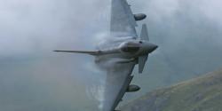 heres-an-award-winning-photo-of-the-super-agile-eurofighter-typhoon