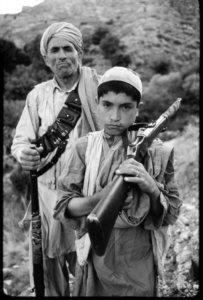 copil-pentru-rusi-luptator-pentru-afgani